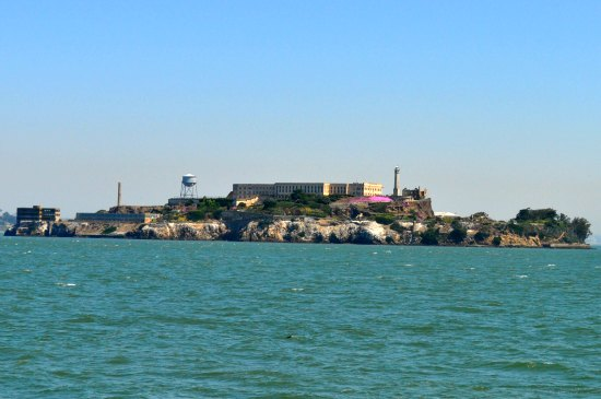 alcatraz from ferry