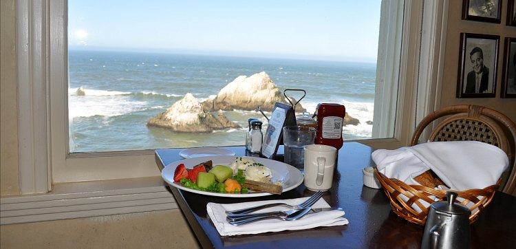 Brunch with views at the Cliff House