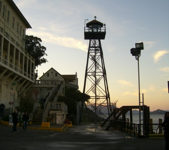 evening tour of alcatraz