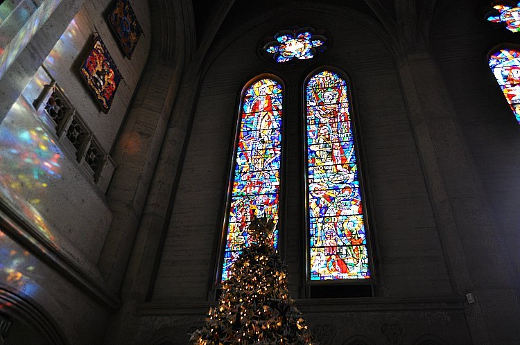 Grace Cathedral at Christmas