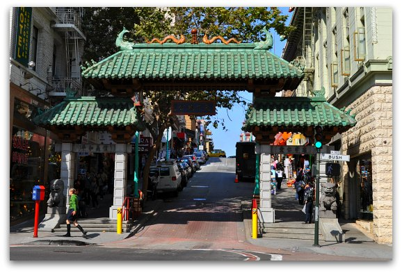Lion Gate Sf The Dragon S That Leads From Union Square Into Chinatown On Grant Avenue