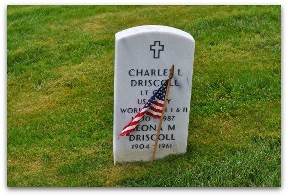 gravestone national cemetery