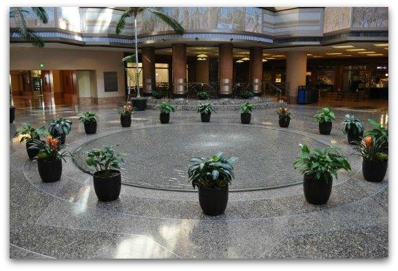 bottom pool fountain rincon center