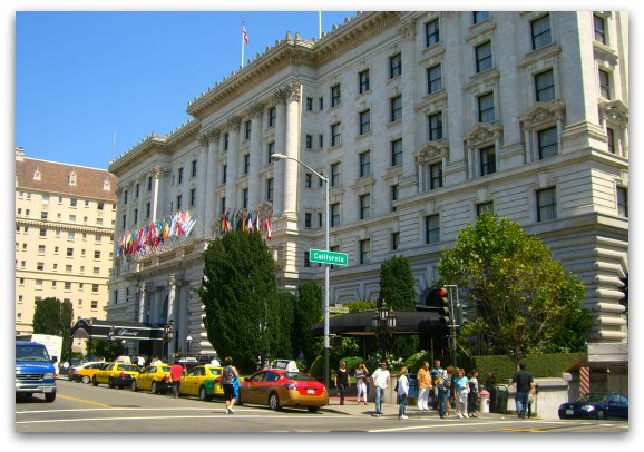 San Francisco S Historic Fairmont Hotel In The High End Hill District