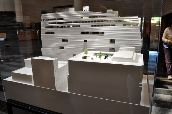 sf moma expansion model