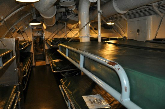 sleeping bunks uss pampanito