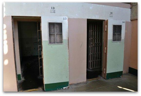 solitary confinement at alcatraz