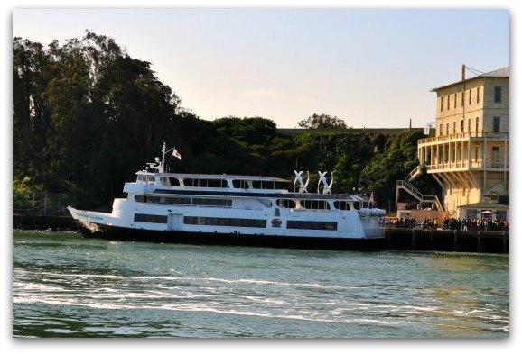 alcatraz ferry