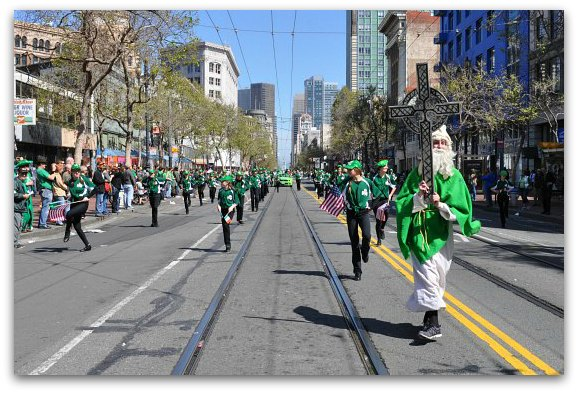 irish dancers in parade