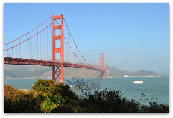 Picture of the Golden Gate Bridge in August in San Francisco.