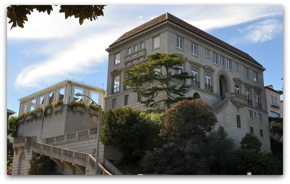 One of the large mansions on Billionaire's Row in SF's Pacific Heights neighborhood