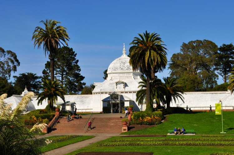 Conservatory of Flowers Outside