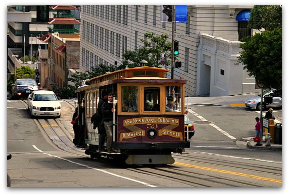 A cable car in San Francisco riding down Hyde Street